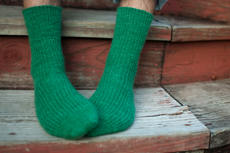 Basic Sock Pattern Knitting : toe-up   knit the hell out